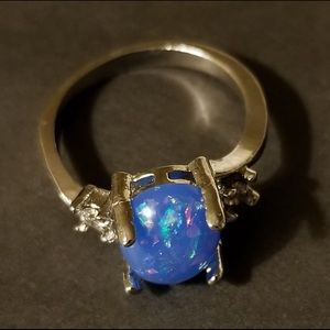 Jewelry - Sterling Silver Gorgeous Fire Blue Opal Size 6
